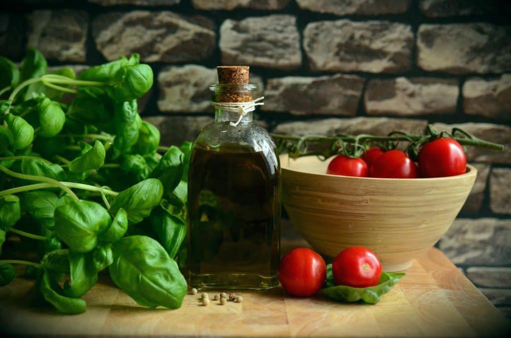 basilic huile tomate