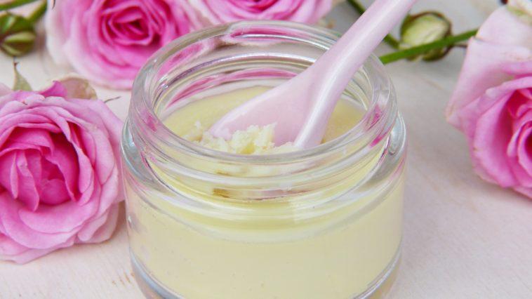 crème acné remède roses
