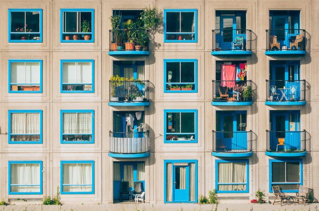 Peut-on m'interdire de mettre des jardinières sur mon balcon ?