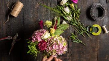 art floral composition fleurs outils