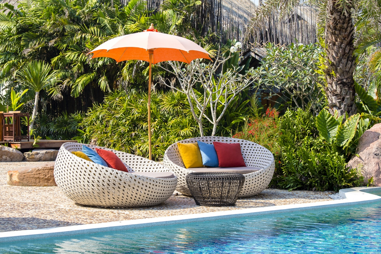lit de jardin piscine
