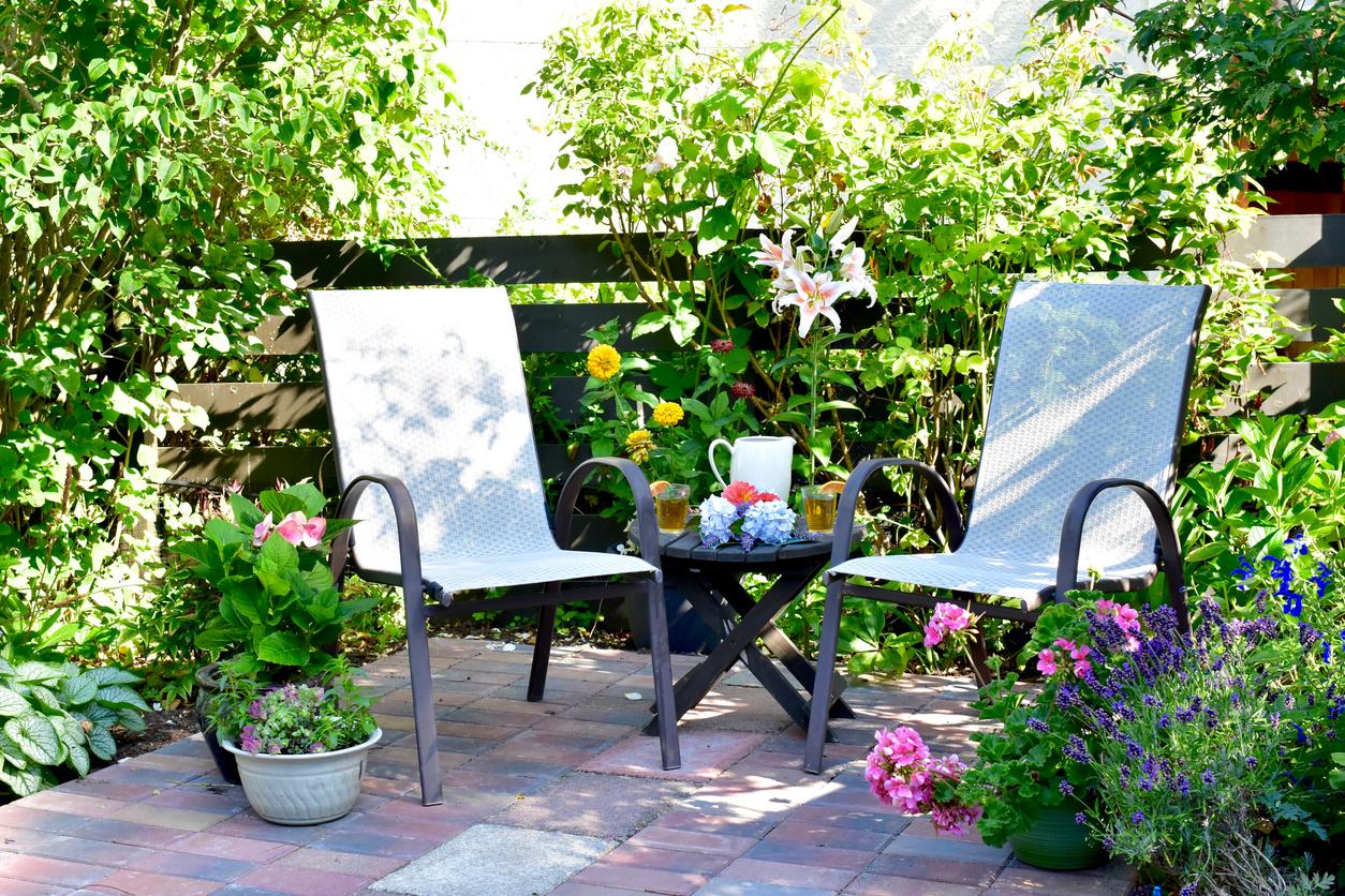 jardin terrasse aménagement extérieur table